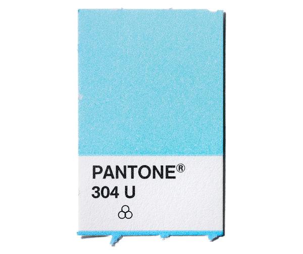 Кто создал эту плашку Pantone?