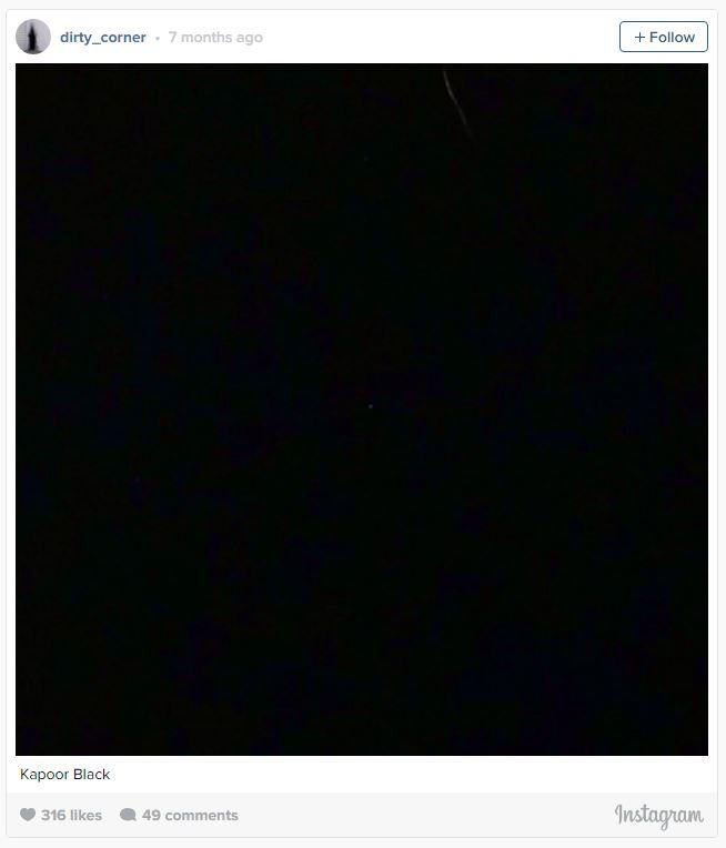 Самый черный цвет в мире принадлежит одному человеку, и он празднует свою победу через Instagram