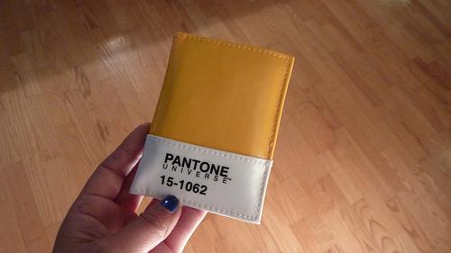 Откуда берутся названия цветов Pantone?